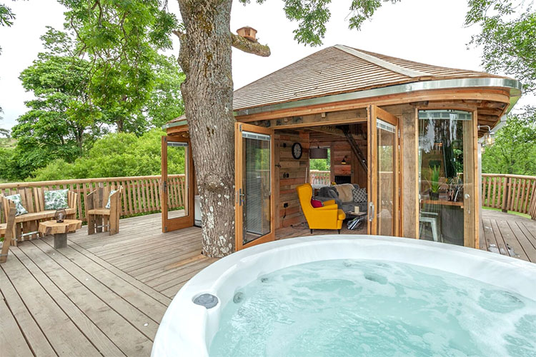 Luxury Glamping at Trawscwm Treehouse