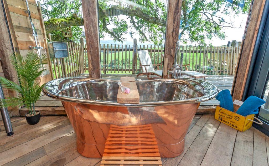 Luxury treehouse UK getaway