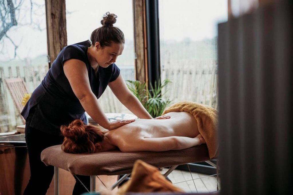 Massage at relaxation retreat in Wales